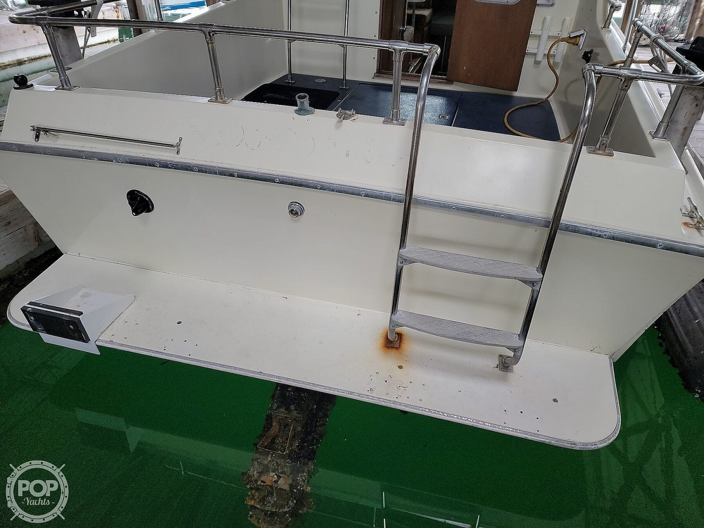 1979 Tollycraft boat for sale, model of the boat is 26' Sedan & Image # 11 of 40