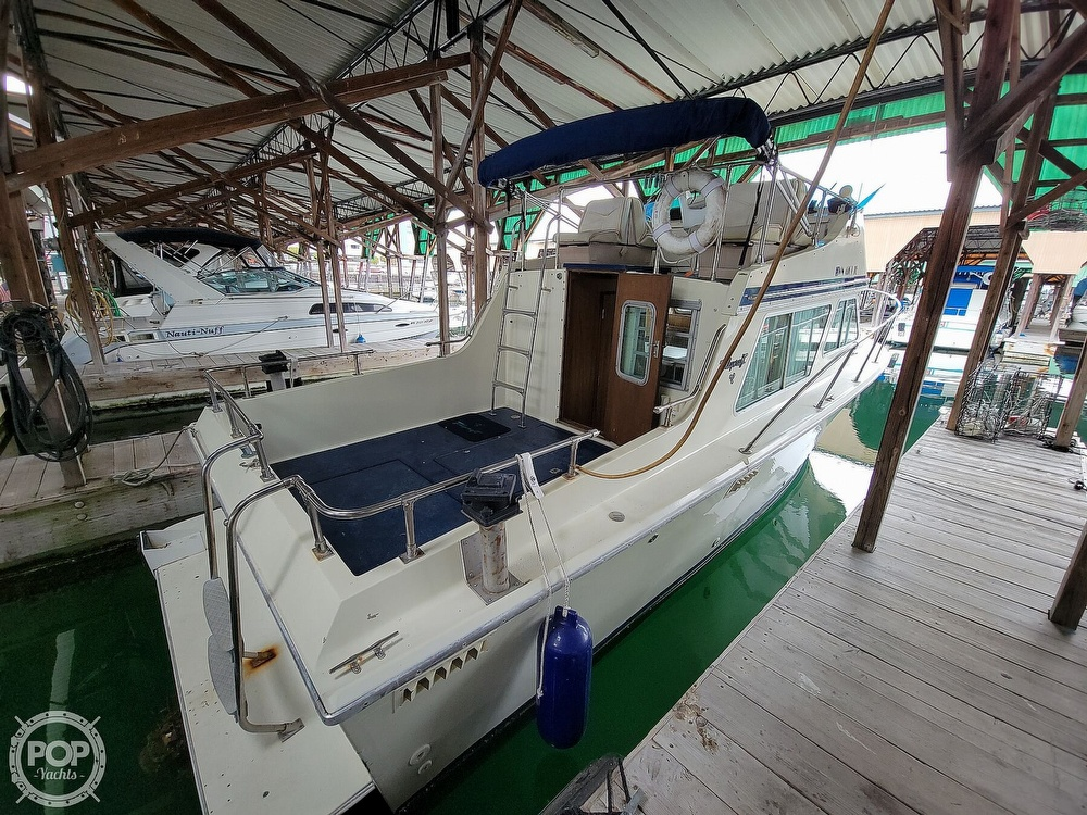1979 Tollycraft boat for sale, model of the boat is 26' Sedan & Image # 12 of 40