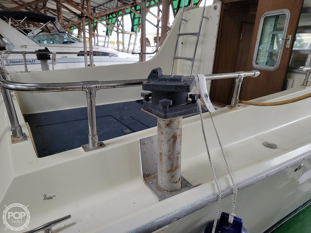 1979 Tollycraft boat for sale, model of the boat is 26' Sedan & Image # 15 of 40