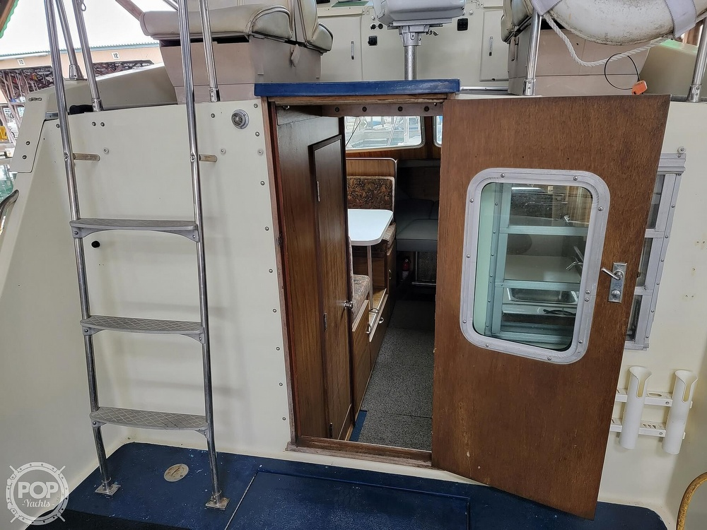 1979 Tollycraft boat for sale, model of the boat is 26' Sedan & Image # 39 of 40
