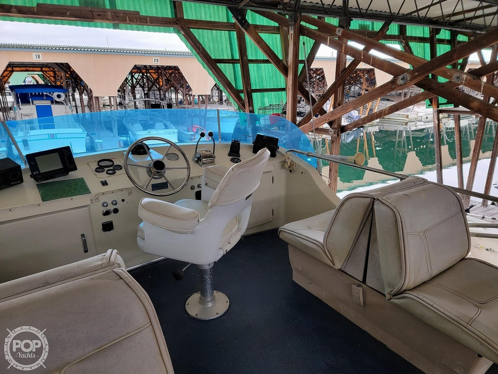 1979 Tollycraft boat for sale, model of the boat is 26' Sedan & Image # 3 of 40