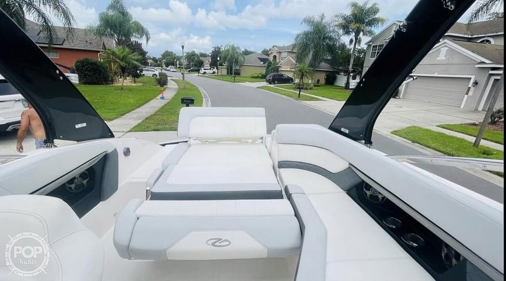 2012 Regal boat for sale, model of the boat is Fastback & Image # 5 of 40