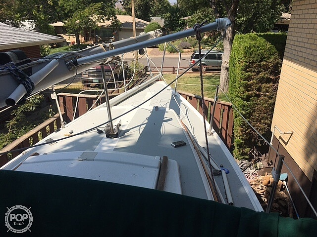 1988 Catalina Yachts boat for sale, model of the boat is 25 & Image # 8 of 40