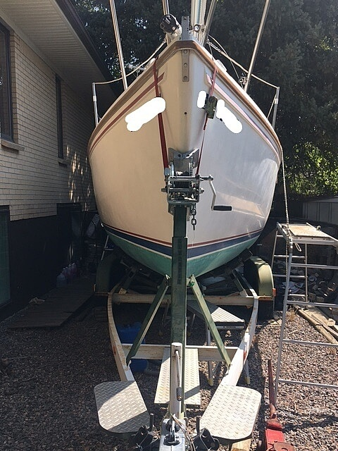 1988 Catalina Yachts boat for sale, model of the boat is 25 & Image # 3 of 40