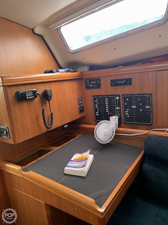 2003 Hunter boat for sale, model of the boat is 356 & Image # 11 of 40