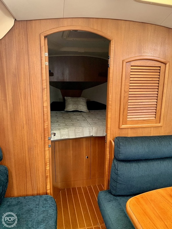 2003 Hunter boat for sale, model of the boat is 356 & Image # 14 of 40