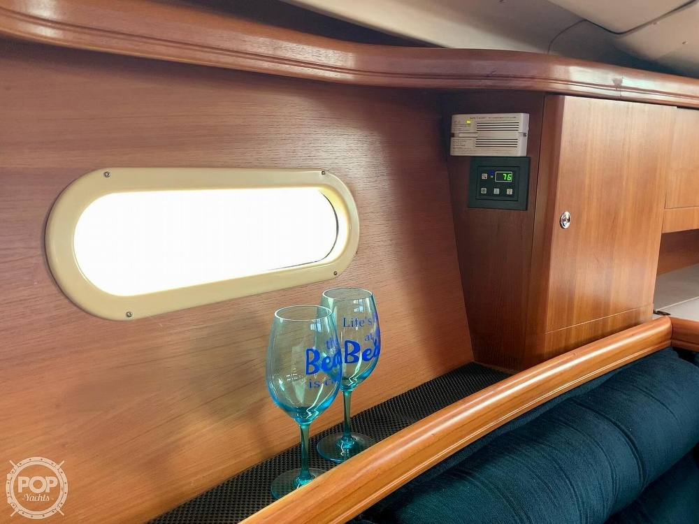 2003 Hunter boat for sale, model of the boat is 356 & Image # 15 of 40