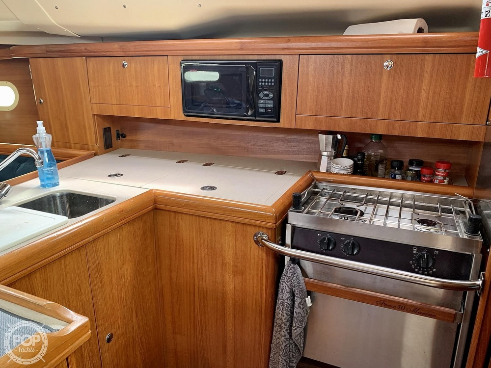 2003 Hunter boat for sale, model of the boat is 356 & Image # 18 of 40