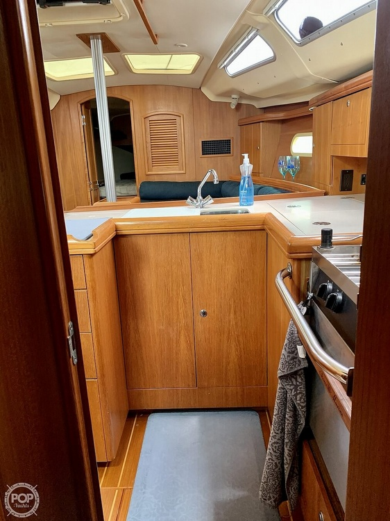 2003 Hunter boat for sale, model of the boat is 356 & Image # 20 of 40