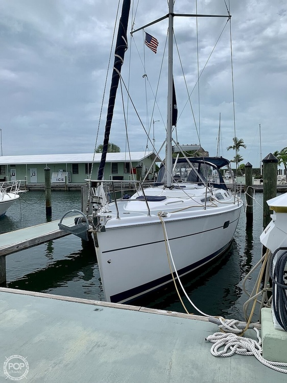 2003 Hunter boat for sale, model of the boat is 356 & Image # 3 of 40