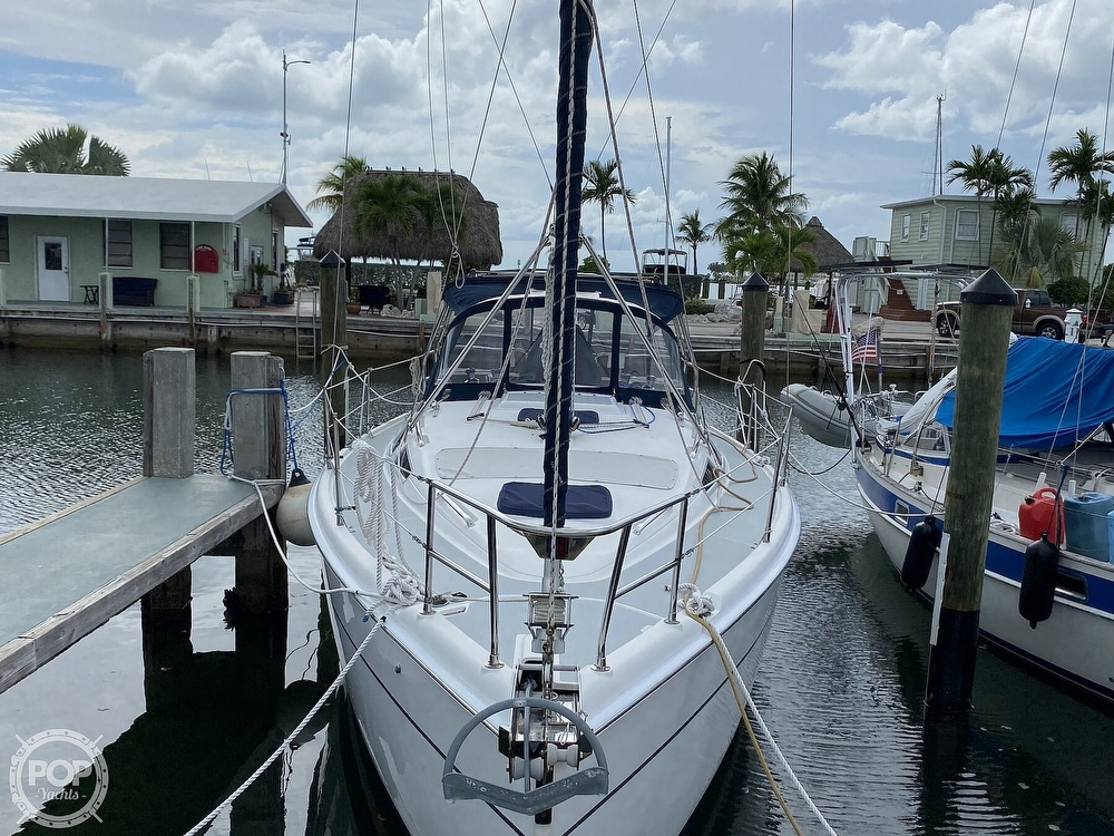 2003 Hunter boat for sale, model of the boat is 356 & Image # 24 of 40