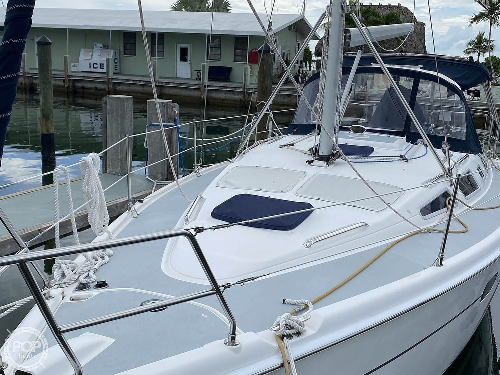 2003 Hunter boat for sale, model of the boat is 356 & Image # 28 of 40