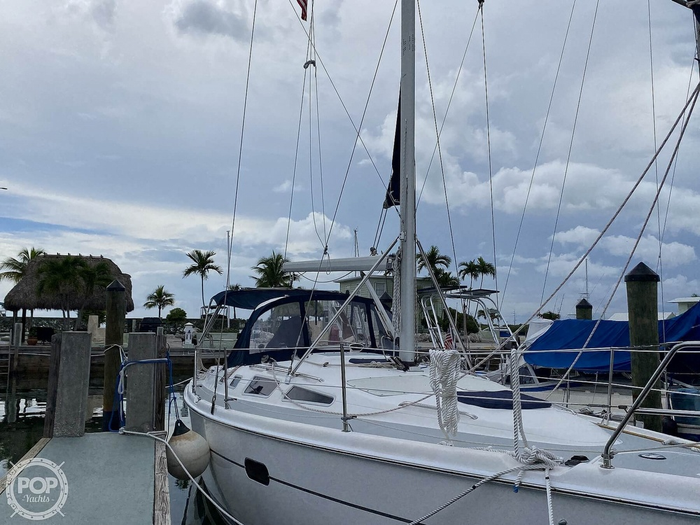 2003 Hunter boat for sale, model of the boat is 356 & Image # 30 of 40
