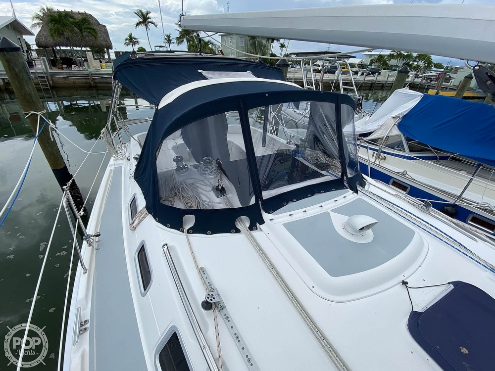 2003 Hunter boat for sale, model of the boat is 356 & Image # 31 of 40
