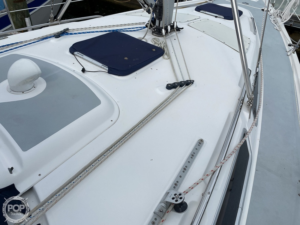 2003 Hunter boat for sale, model of the boat is 356 & Image # 33 of 40