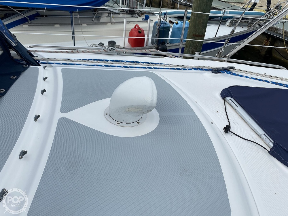 2003 Hunter boat for sale, model of the boat is 356 & Image # 35 of 40