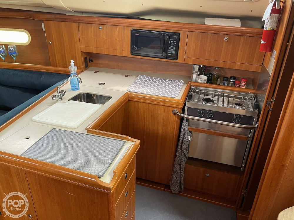 2003 Hunter boat for sale, model of the boat is 356 & Image # 37 of 40