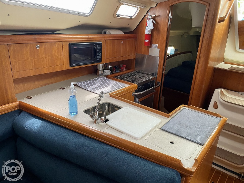 2003 Hunter boat for sale, model of the boat is 356 & Image # 38 of 40