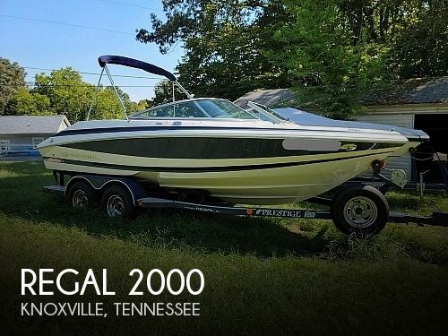 2004 Regal boat for sale, model of the boat is 2000 & Image # 1 of 40