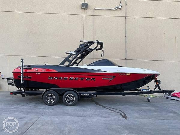 2015 Malibu boat for sale, model of the boat is Wakesetter 23 LSV & Image # 5 of 40