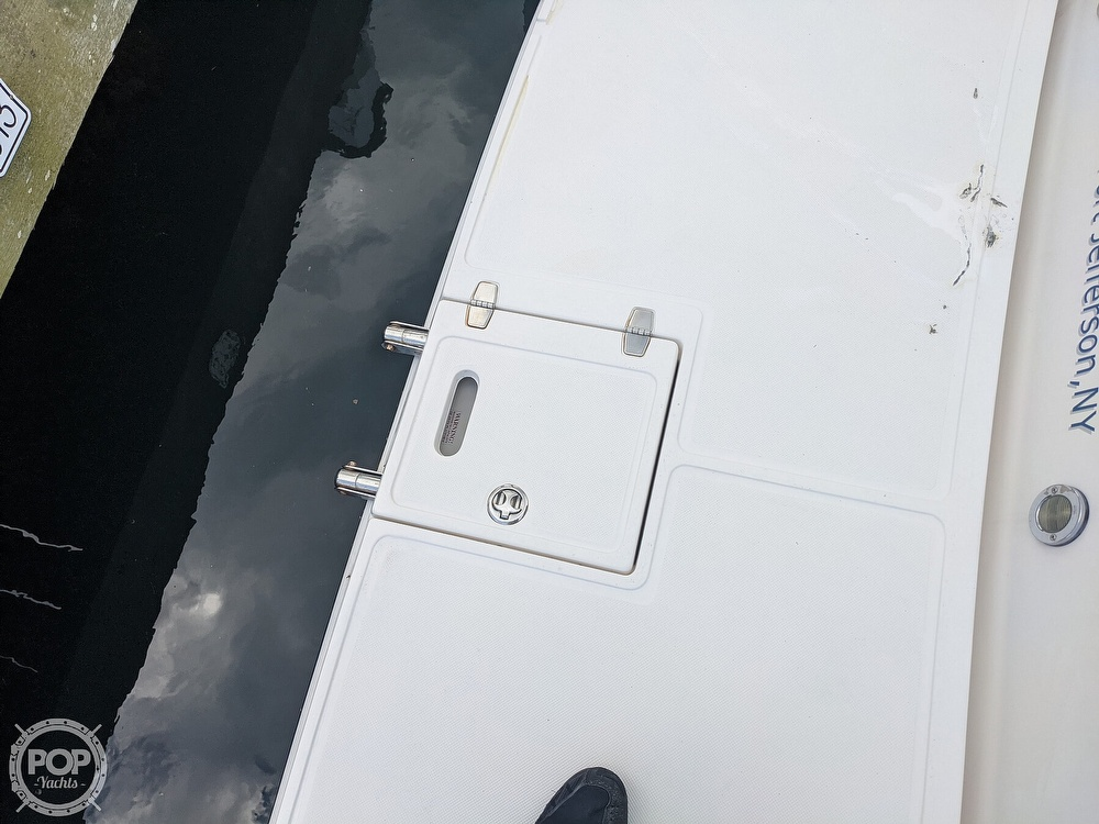 2008 Regal boat for sale, model of the boat is 3360 & Image # 16 of 40