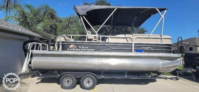 Sun Tracker 20 DlX Party Barge, 20, for sale - $31,900