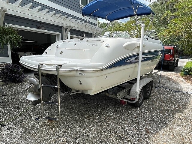 2008 Stingray boat for sale, model of the boat is 250 LR & Image # 10 of 40