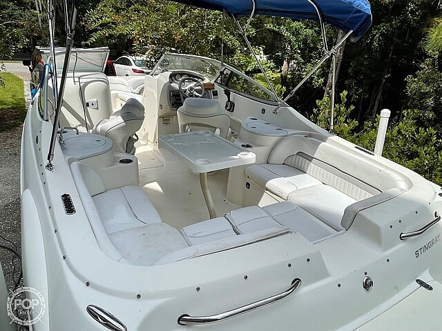 2008 Stingray boat for sale, model of the boat is 250 LR & Image # 3 of 40