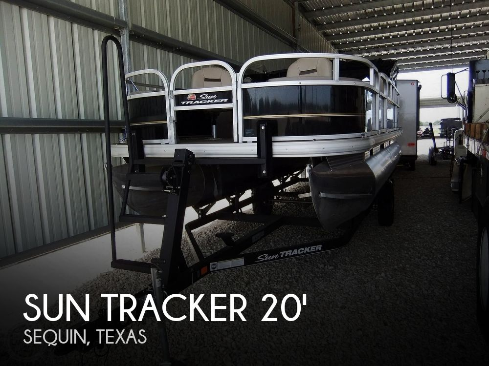 2020 Sun Tracker boat for sale, model of the boat is Bass Buggy DLX & Image # 1 of 40