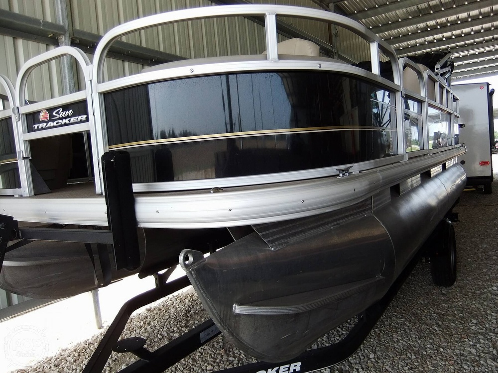 2020 Sun Tracker boat for sale, model of the boat is Bass Buggy DLX & Image # 2 of 40