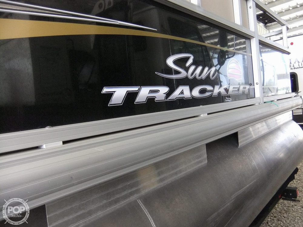 2020 Sun Tracker boat for sale, model of the boat is Bass Buggy DLX & Image # 5 of 40
