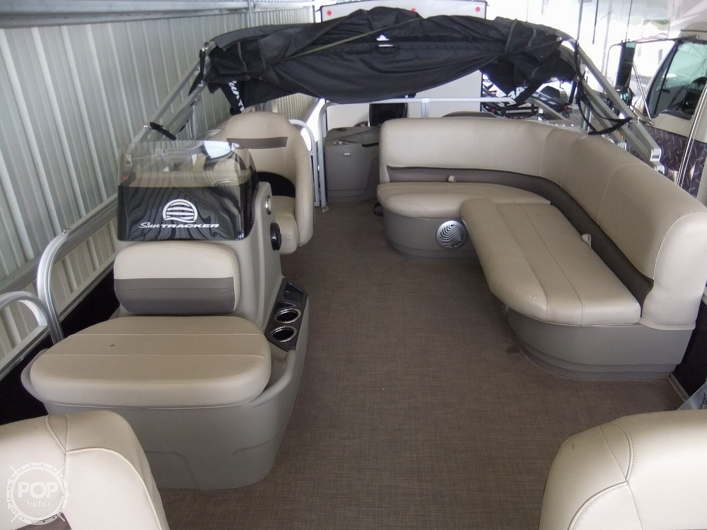 2020 Sun Tracker boat for sale, model of the boat is Bass Buggy DLX & Image # 21 of 40