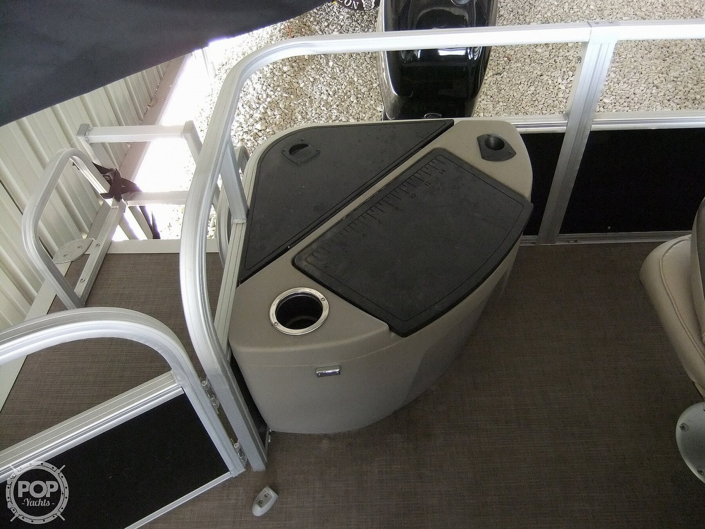2020 Sun Tracker boat for sale, model of the boat is Bass Buggy DLX & Image # 36 of 40