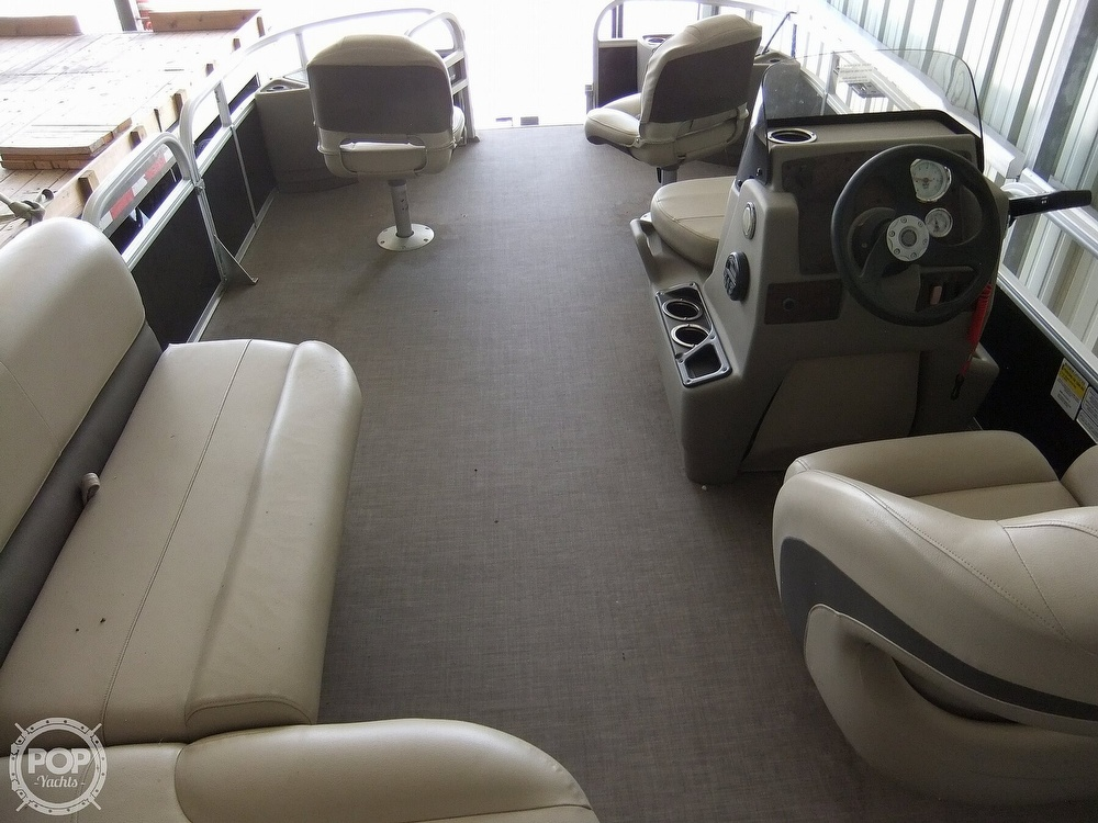 2020 Sun Tracker boat for sale, model of the boat is Bass Buggy DLX & Image # 38 of 40