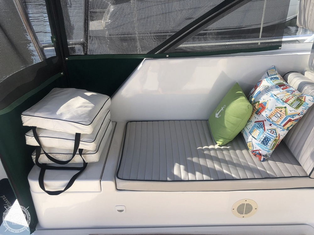 2001 Mainship boat for sale, model of the boat is 34 Pilot & Image # 32 of 40