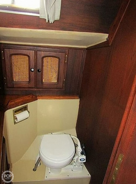 1977 Islander boat for sale, model of the boat is 36 & Image # 6 of 11