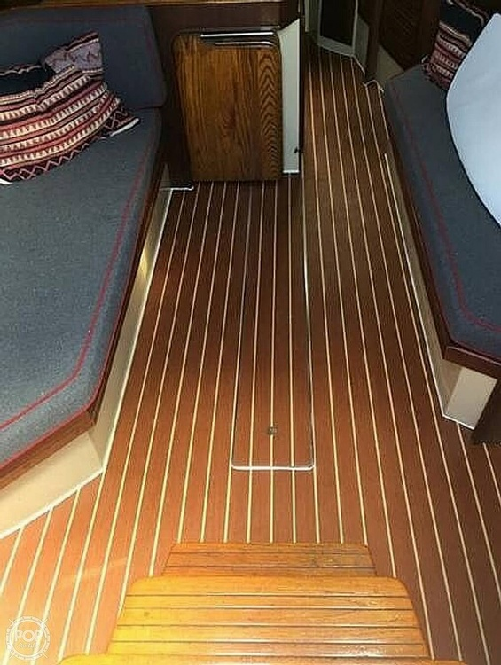 1977 Islander boat for sale, model of the boat is 36 & Image # 9 of 11