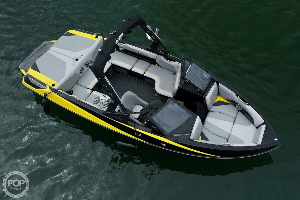 2016 Axis boat for sale, model of the boat is a22 & Image # 8 of 27