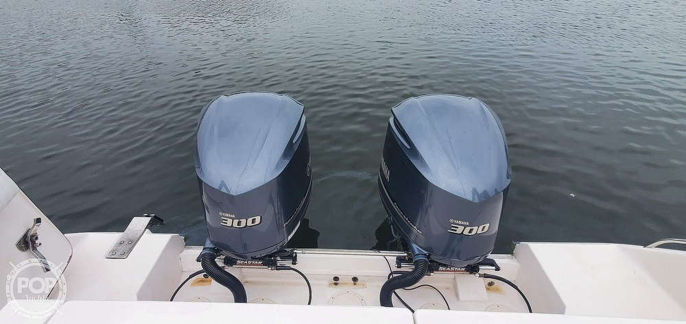 2002 Grady-White boat for sale, model of the boat is 330 Express & Image # 9 of 40