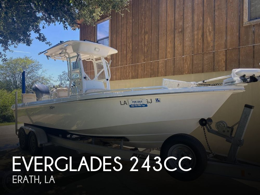 2007 Everglades boat for sale, model of the boat is 243cc & Image # 1 of 40