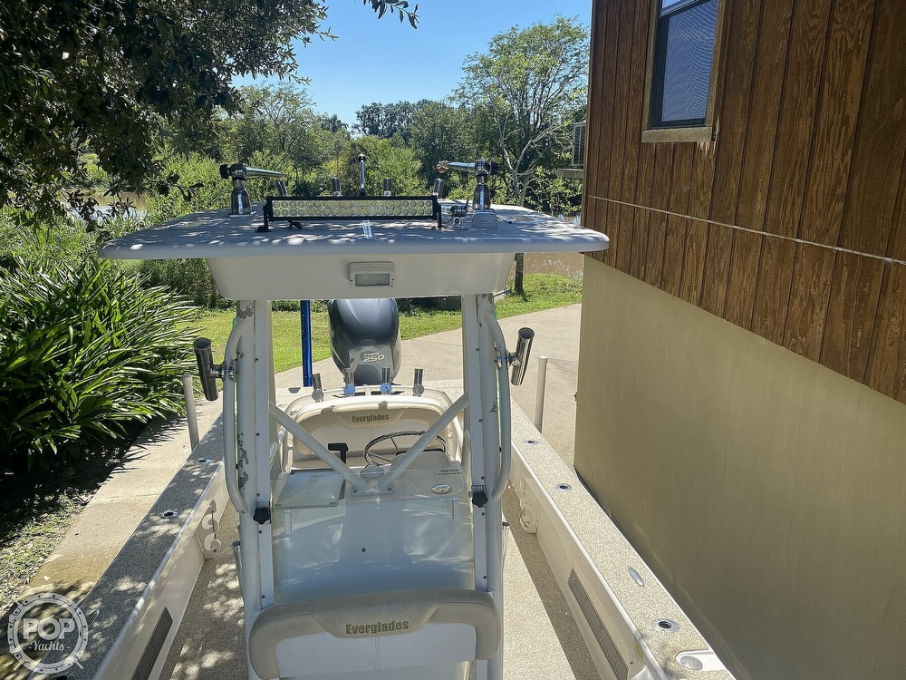 2007 Everglades boat for sale, model of the boat is 243cc & Image # 11 of 40
