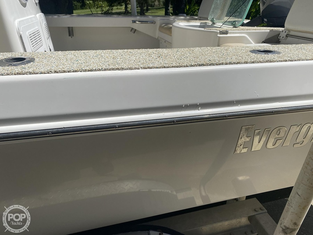 2007 Everglades boat for sale, model of the boat is 243cc & Image # 18 of 40