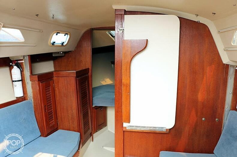 1988 Catalina Yachts boat for sale, model of the boat is 27 Wing & Image # 4 of 9