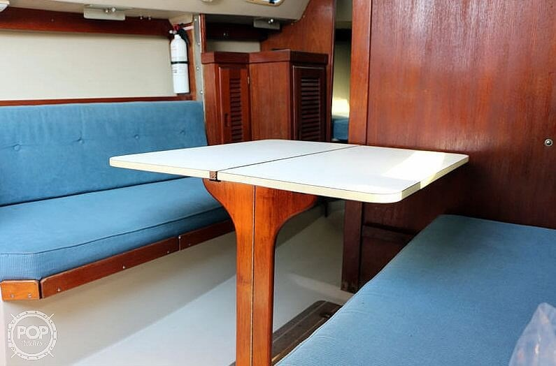 1988 Catalina Yachts boat for sale, model of the boat is 27 Wing & Image # 5 of 9