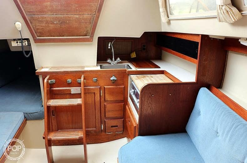 1988 Catalina Yachts boat for sale, model of the boat is 27 Wing & Image # 6 of 9