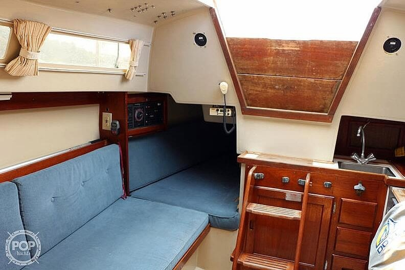 1988 Catalina Yachts boat for sale, model of the boat is 27 Wing & Image # 7 of 9