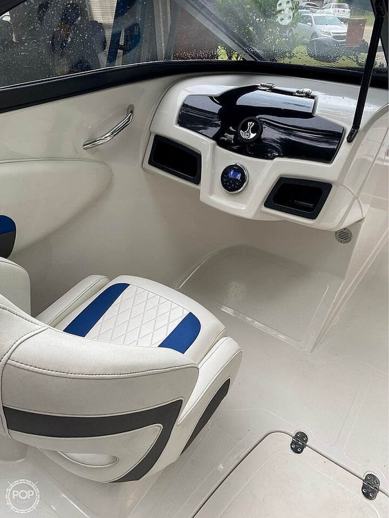 2016 Tahoe boat for sale, model of the boat is 500TF & Image # 3 of 9