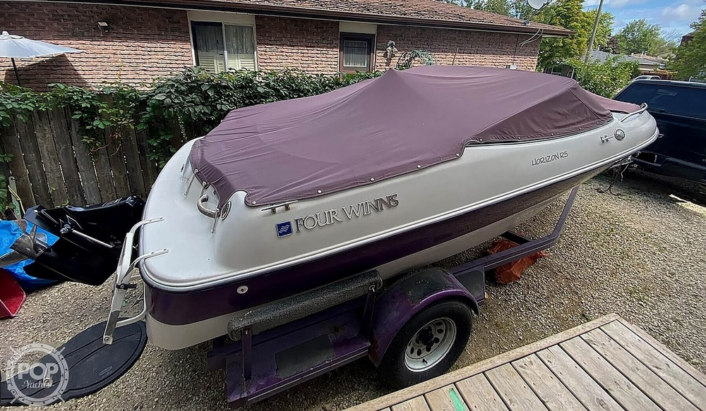 1997 Four Winns boat for sale, model of the boat is Horizon RS & Image # 2 of 8