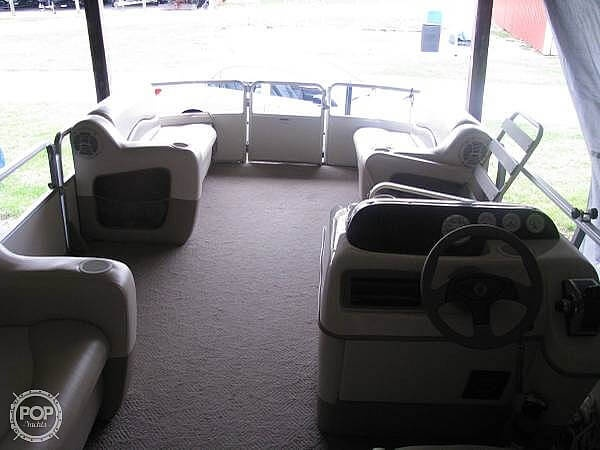 2005 Sun Tracker boat for sale, model of the boat is Party Barge 21 & Image # 3 of 10
