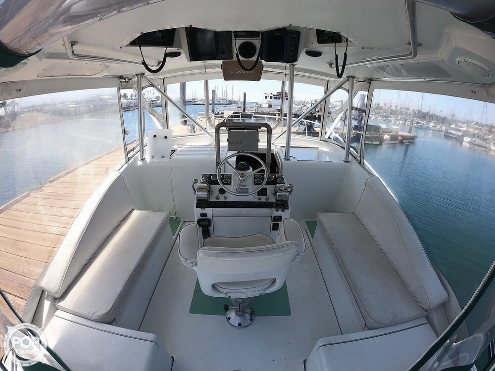 1995 Luhrs boat for sale, model of the boat is Tournament 320 Open & Image # 7 of 11